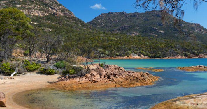 Wineglass Bay Tour, Hobart, Tasmania, Wineglass Bay Day Tours, Honeymoon Bay