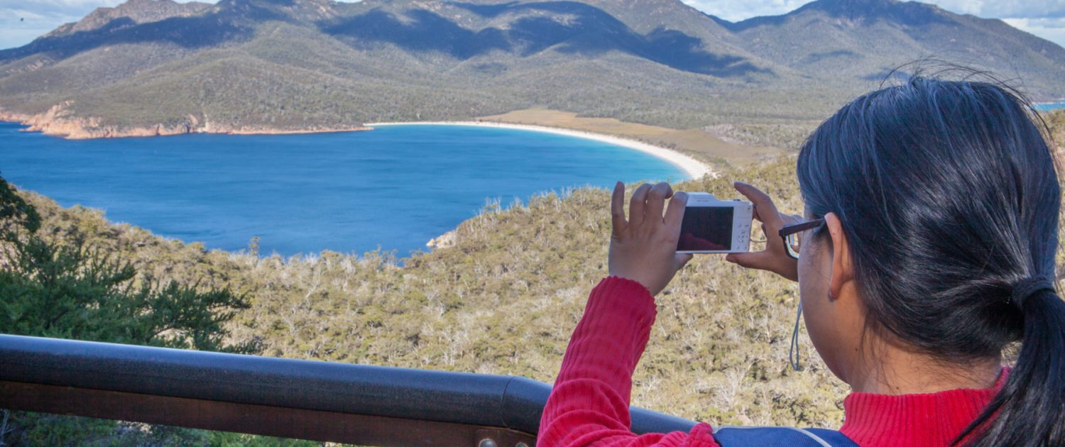 Wineglass Bay Tour, Hobart, Tasmania, Wineglass Bay Day Tours, take photo of wineglass bay